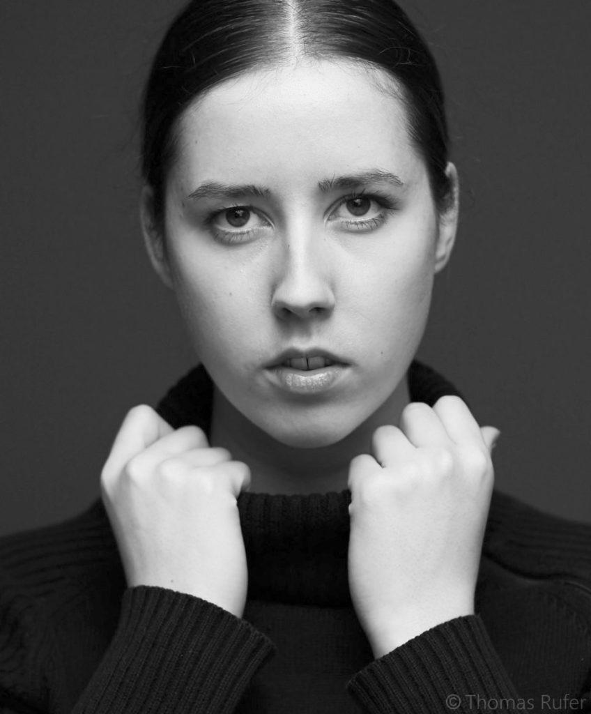 Stefanie_Alder_Portrait_2---KopieWEB